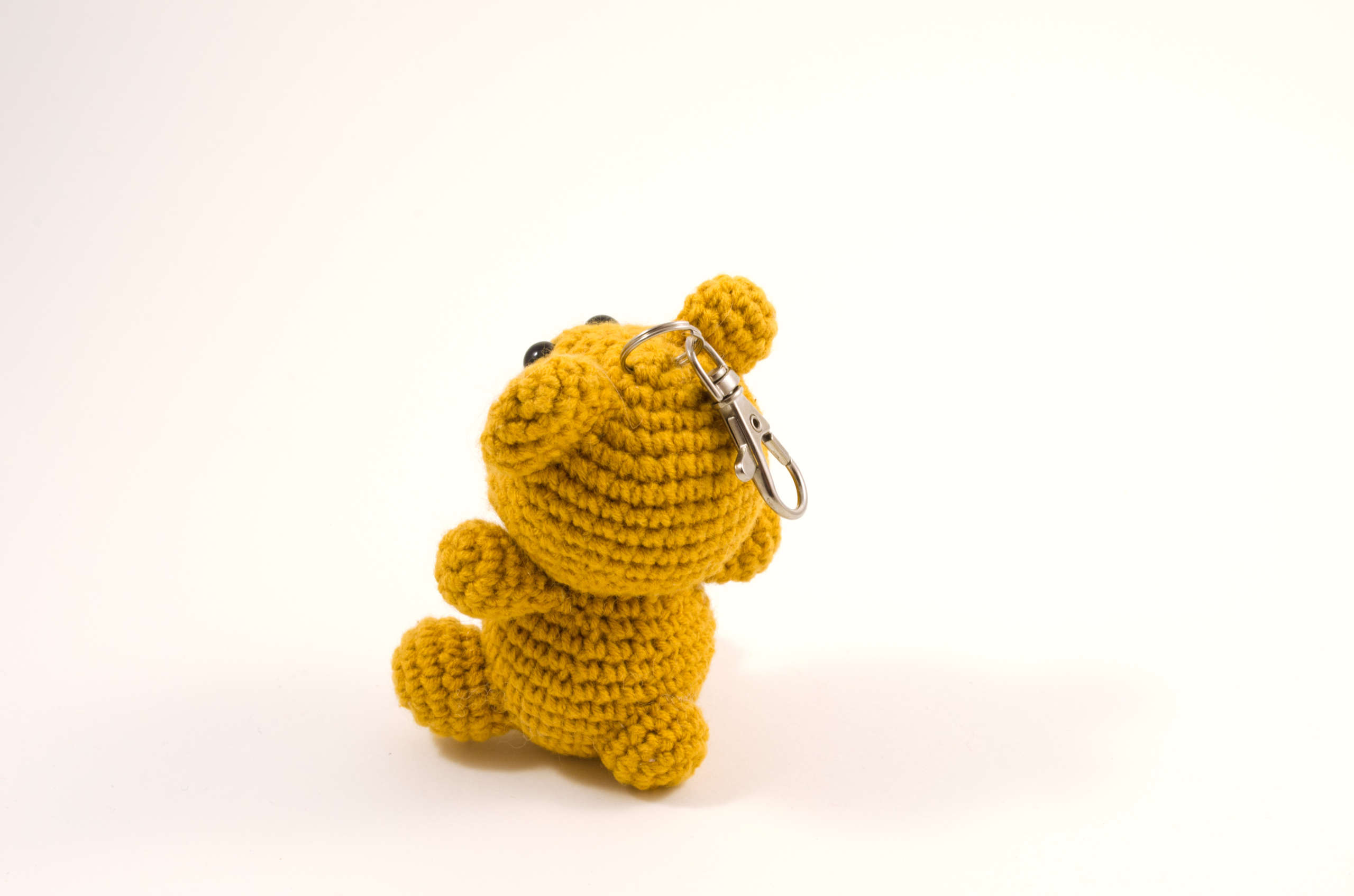 amigurumi bear keychain back view