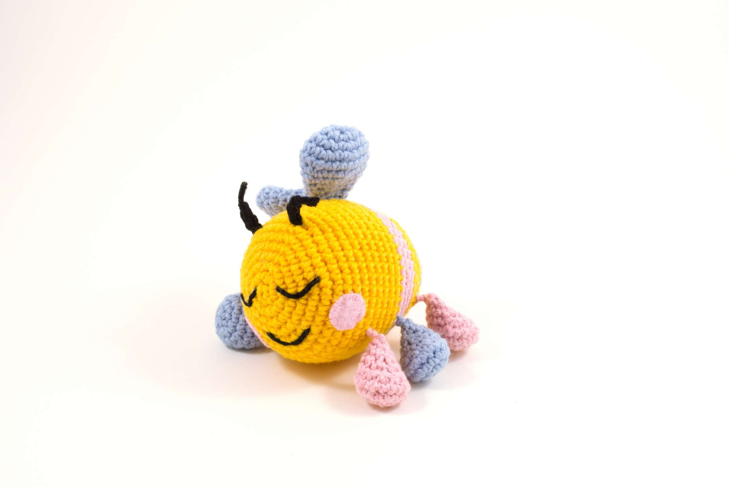 crochet bibi the bee side view