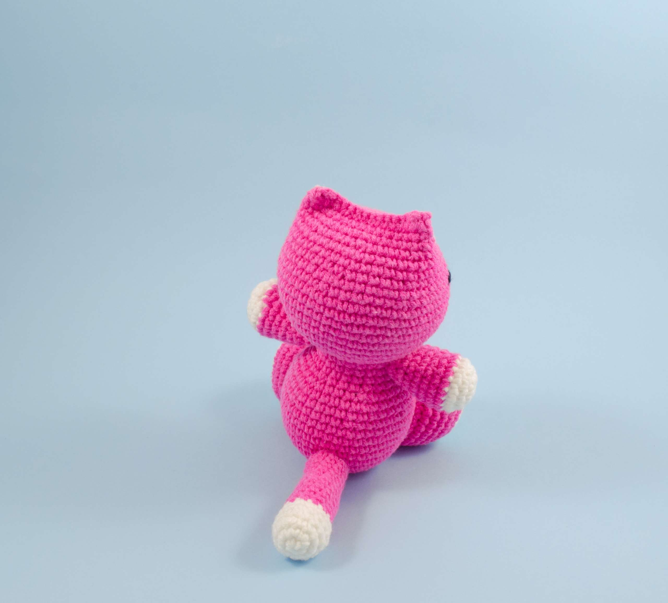 amigurumi pink kitten back view