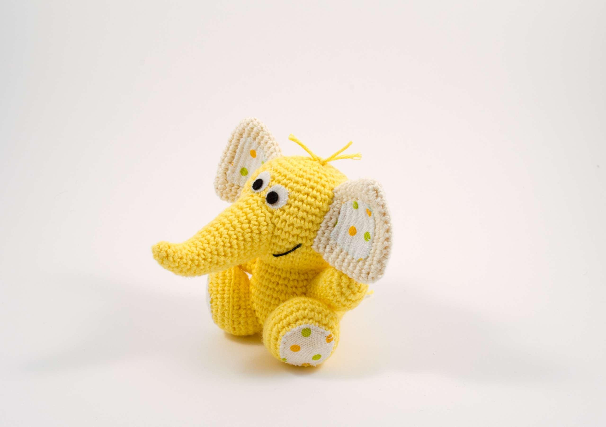 amigurumi baby elephant side view