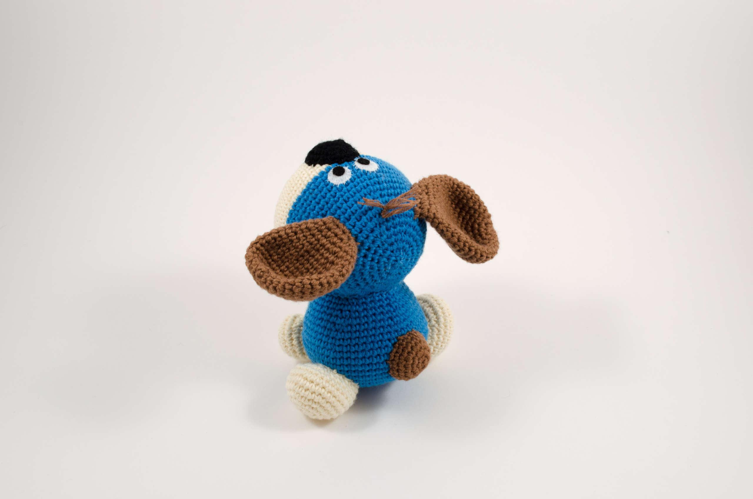crochet puppy dog back view