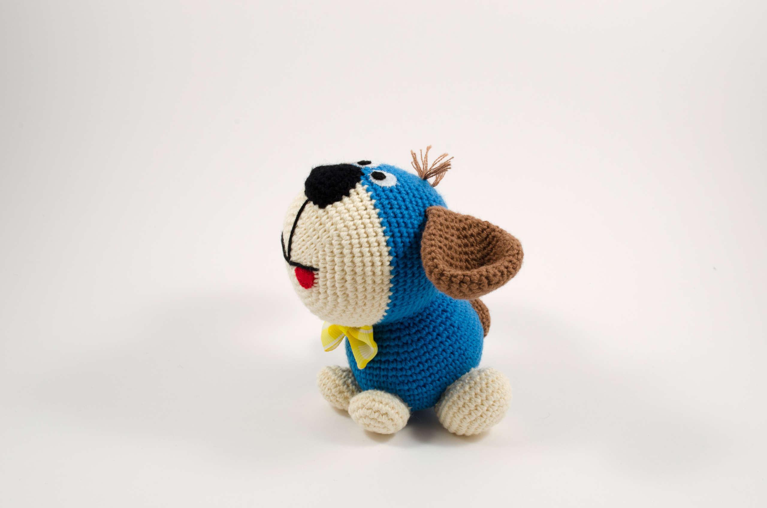 crochet puppy dog side view