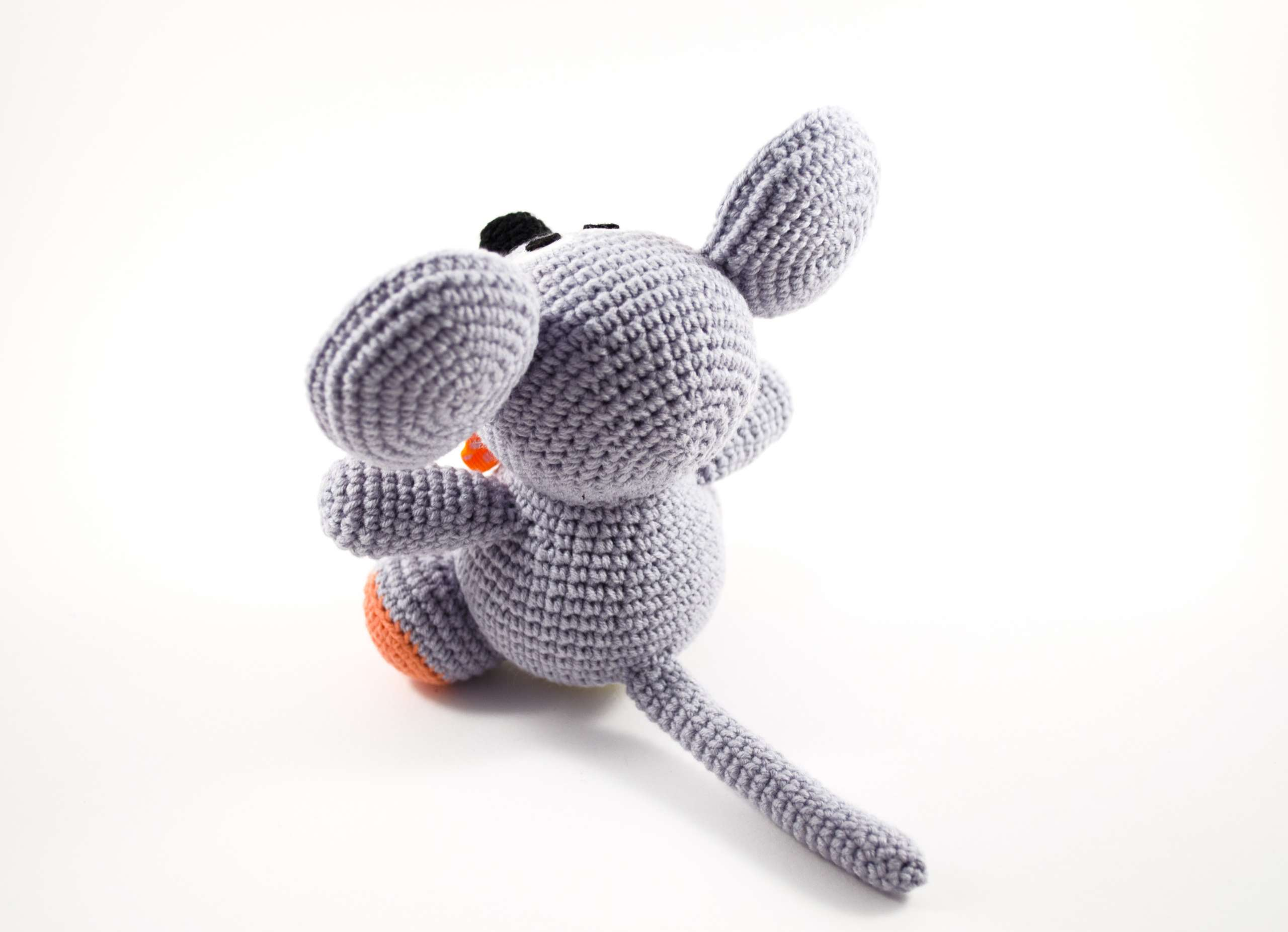 crochet gray mouse back view