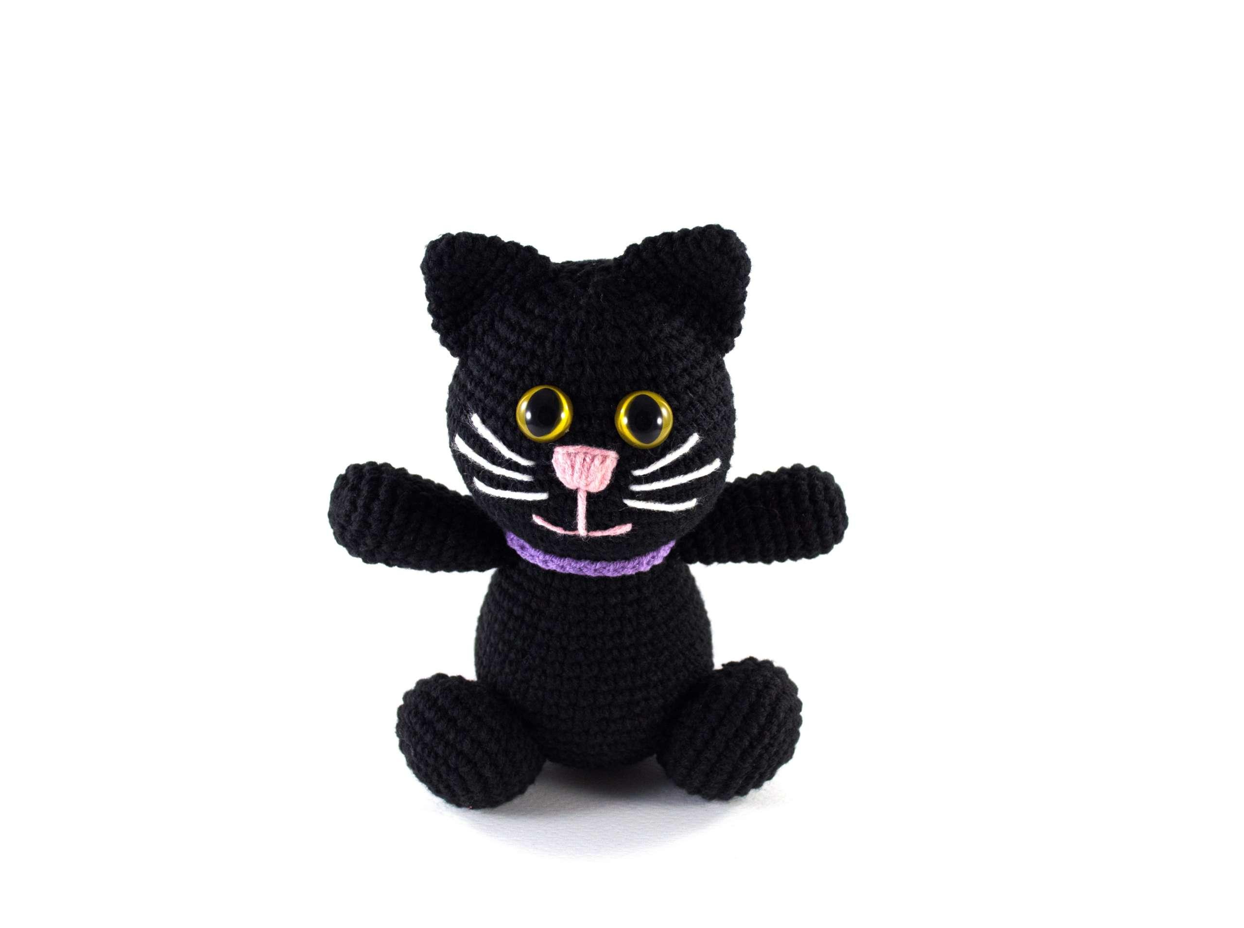 crochet balck cat front view