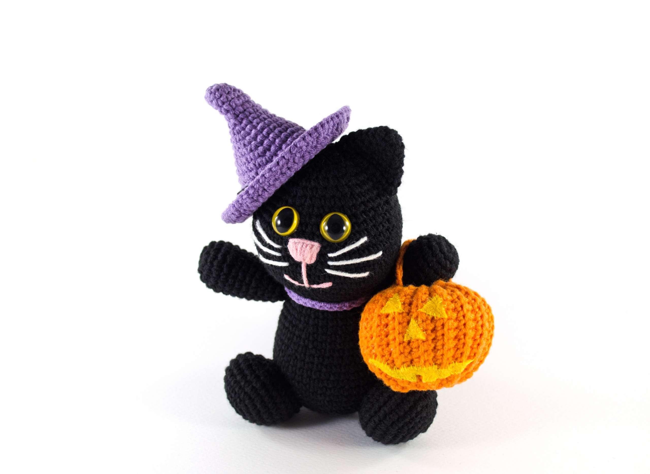 crochet halloween black cat