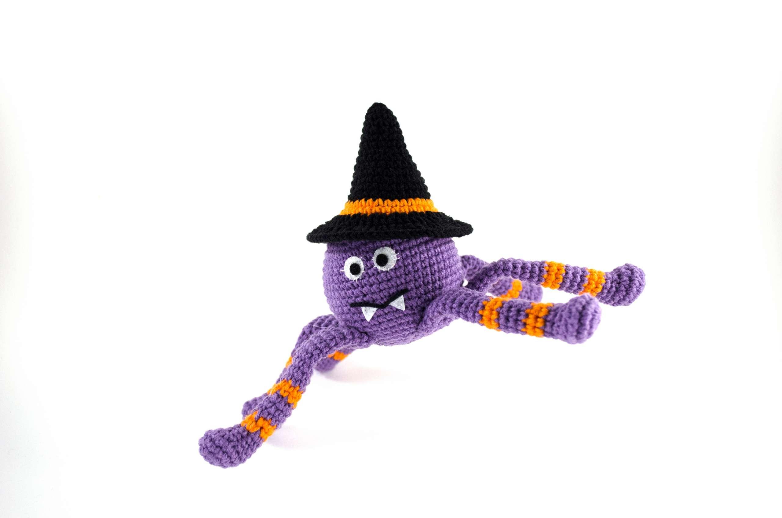 funny crochet spider