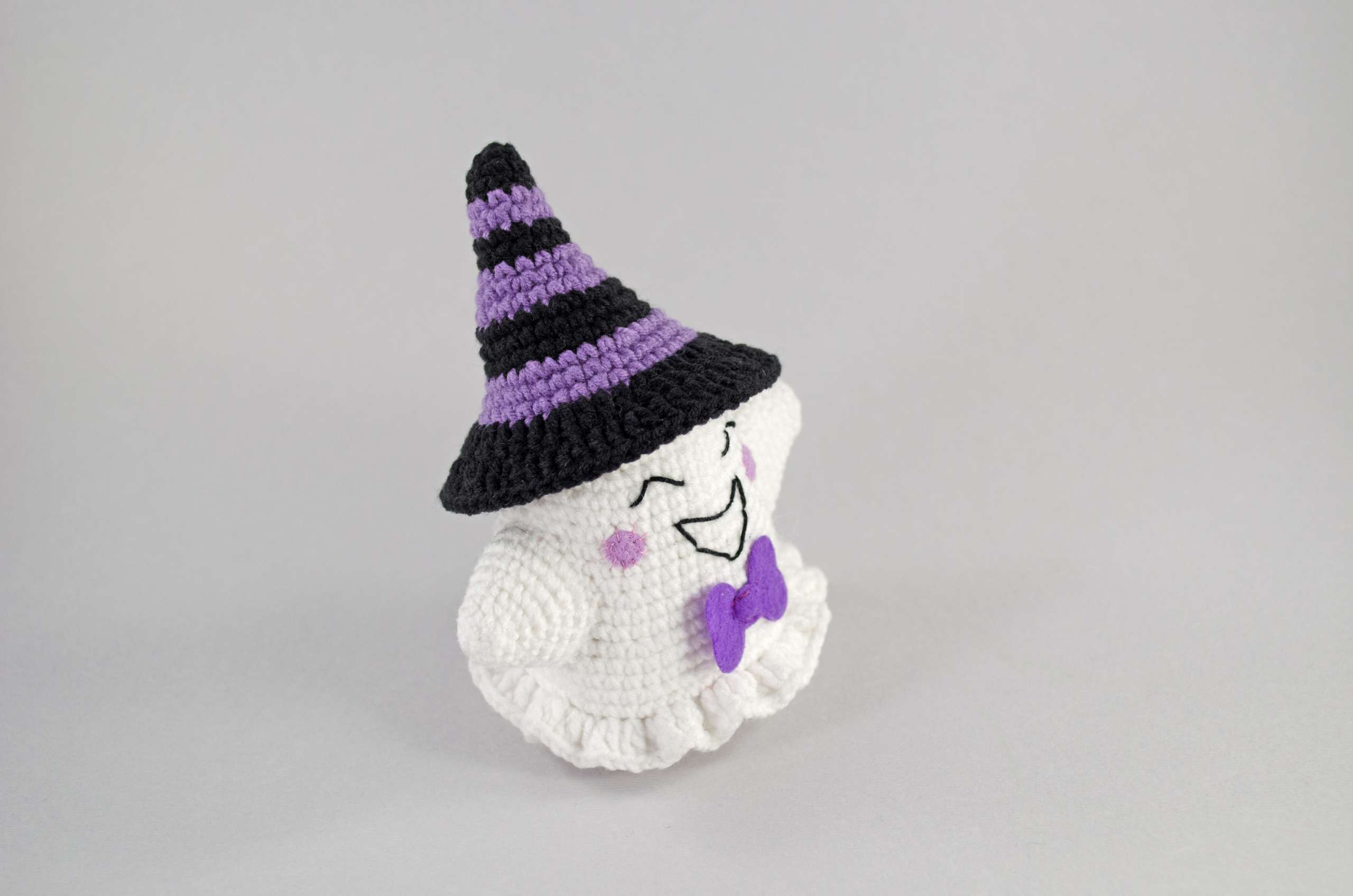 FREE Halloween Crochet Patterns - The Lavender Chair | 1272x1920