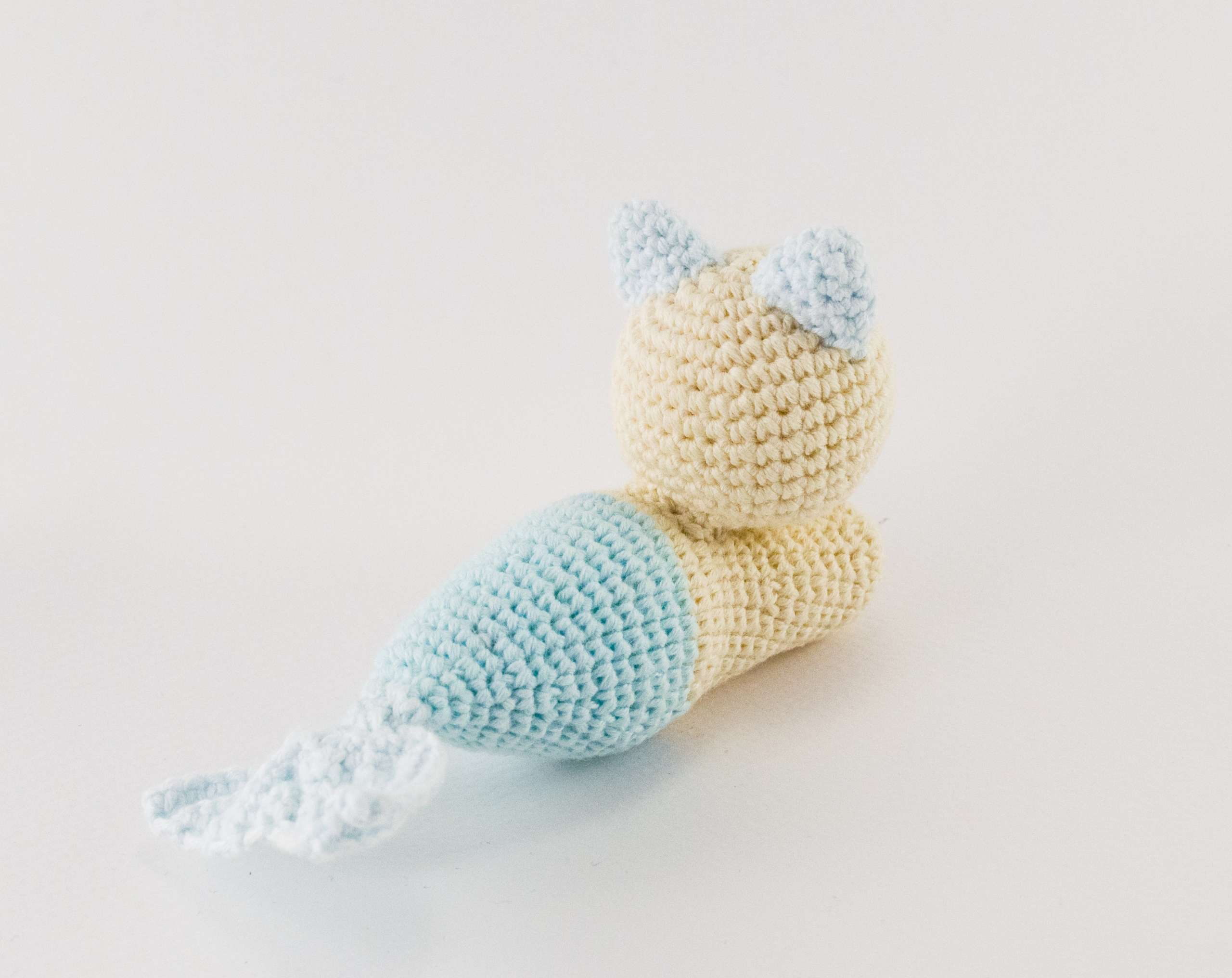 crochet mermaid cat back view