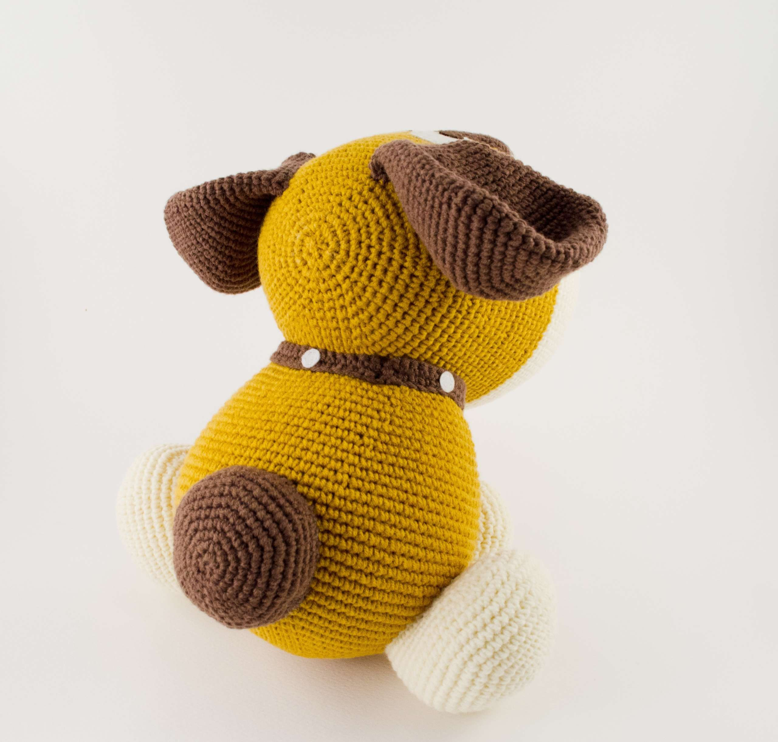 amigurumi dog back view