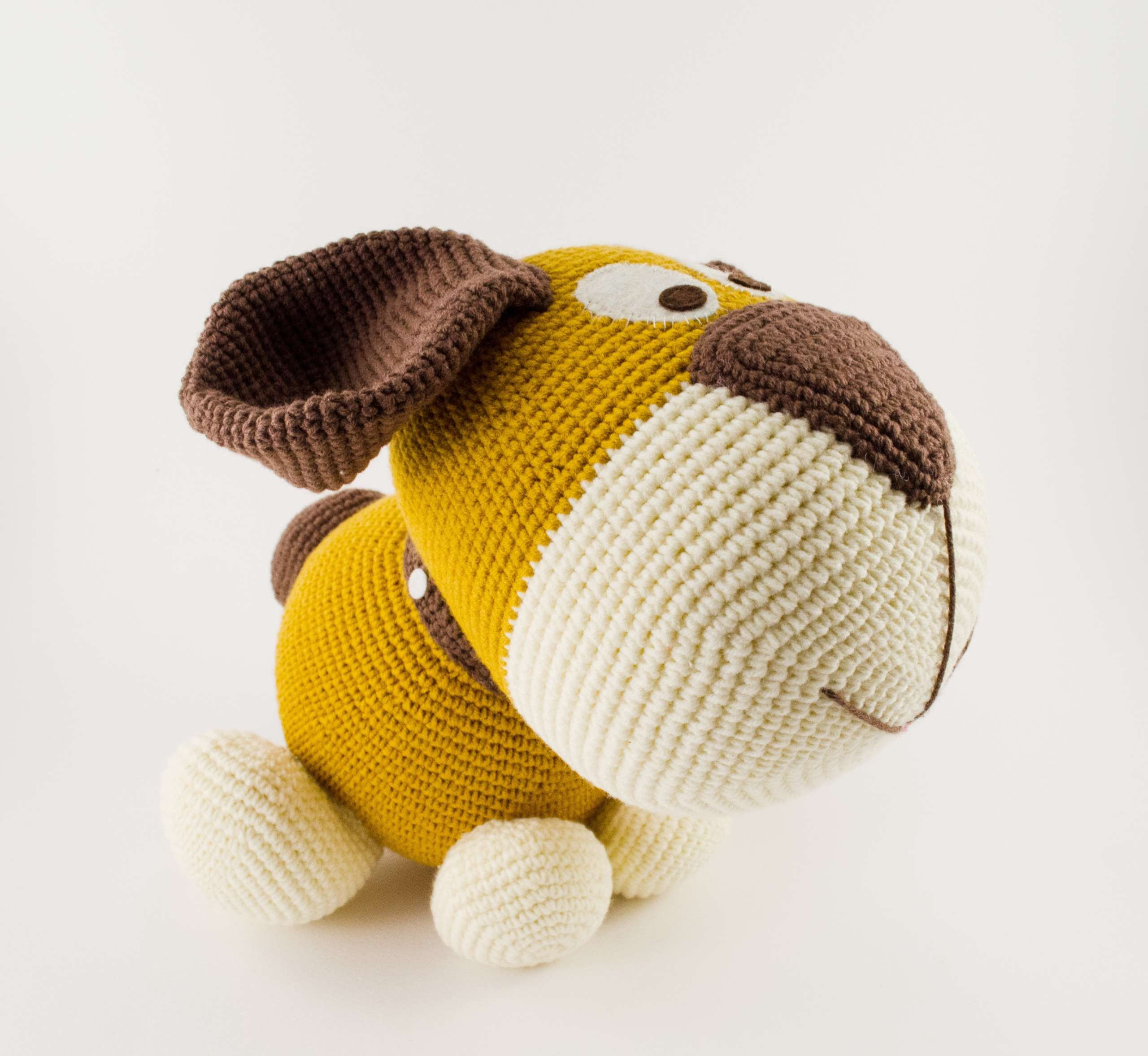 crochet dog side view