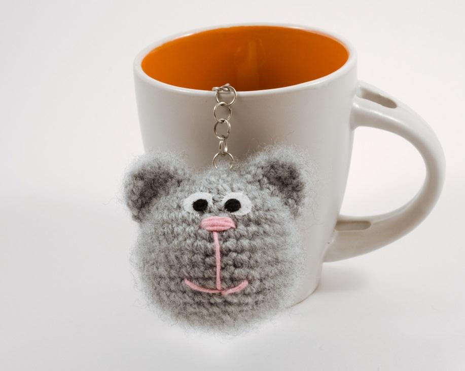 amigurumi cat keychain fron view