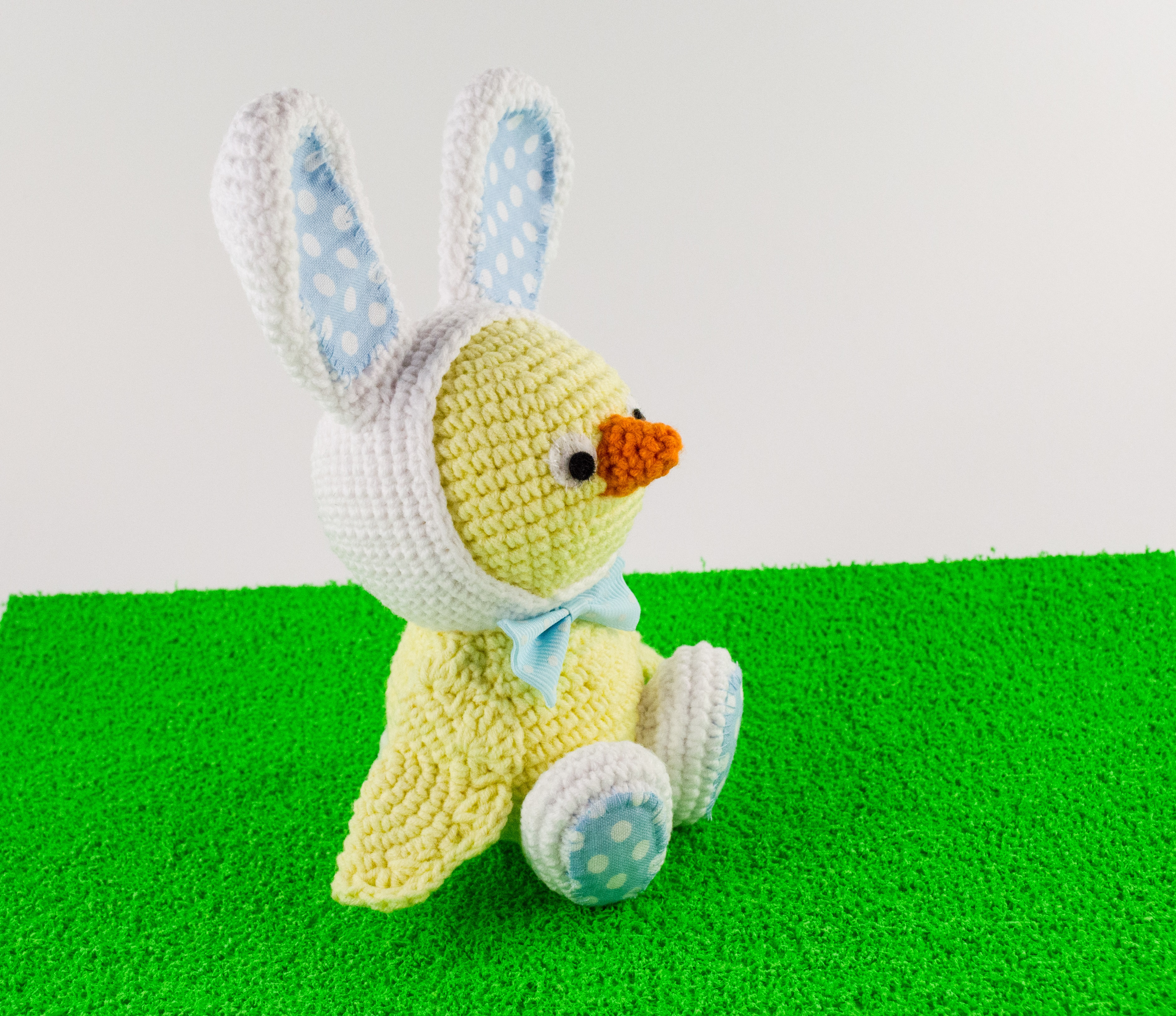 crochet easter chick side view